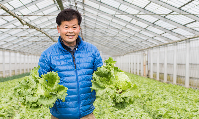 須賀農園の園主